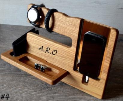 Quà tặng gỗ để điện thoại đa năng